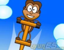 Bosluk tusu ile ziplayip ilerleyerek muzlari toplayacaksin. oyunes.com